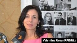 Loretta Handrabura