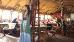 Njeguši: Izbacio iz restorana majku sa djecom jer su Srbi
