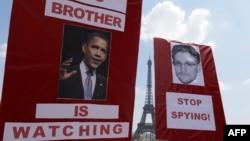 Франция -- Эдвард Сноуденди колдогон Париждеги акция, 7-июль, 2013.