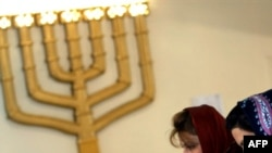 دو شهروند زن یهودی ساکن ایران/ عکس تزئینی است
