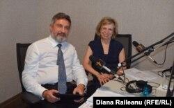 Doi ambasadori în studioul Europei Libere...