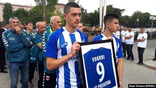 Homazhe për Fadil Vokrrin