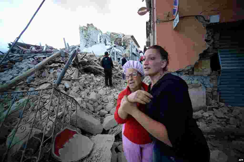 Preživeli među ruševinama u Amatričeu