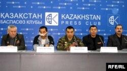 Чернобыль ардагерлері бастарынан өткен жайттарды айтуға жиыналды. Алматы, 6 ақпан, 2009 жыл.
