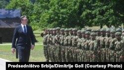 Predsednik Srbije Aleksandar Vučić na vojnoj ceremoniji u Takovu, 14. jun
