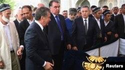 Шавкат Мирзиёев президент Каримов жанозасида