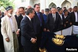 I.Rahmon Samarqanddagi dafn marosimida