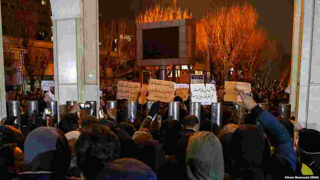 Protesters gather in front of Sharif University in Tehran on January 11.Iranian media reported that 14 of the Ukrainian plane victims were graduates of the university.