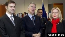 Borislav Stefanović, Robert Kuper i Edita Tahiri, Brisel, novembar 2011.
