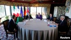 Donald Tusk, Angela Merkel, Emanuel Makron, Tereza Mej, Đuzepe Konte i Žan Klod Junker u La Malbeu, Kvebek.