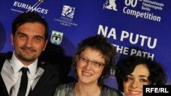 Jasmila Žbanić i glavni protagonisti filma Leon Lučev i Zrinka Cvitešić na sarajevskoj premijeri, foto: Midhat Poturović