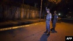 Бангладеш астанасы Даккада жүрген полицейлер. (Көрнекі сурет.)