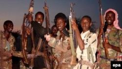 دولت سومالی می کوشد برای نخستين بار، حاکميت مرکزی در اين کشور را از سال ۱۹۹۱ ميلادی تاکنون، برقرار کند.