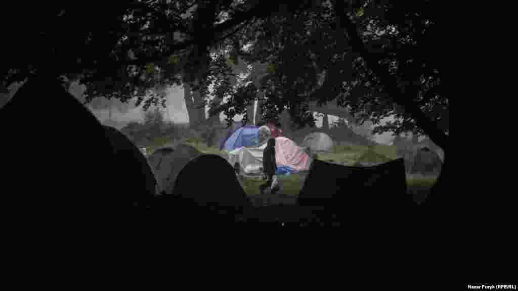 Через те, що Шипіт – це підніжжя хребта, тут часто збираються хмари, дощ може йти ледь не цілий тиждень без упину