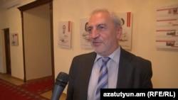 ՀԱԿ խմբակցության քարտուղար Արամ Մանուկյանը զրուցում է «Ազատության» հետ, արխիվ