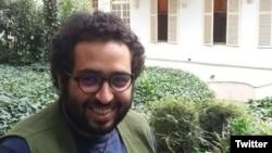 Iranian satirist Kioomars Marzban (file photo)