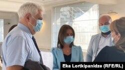 Екатерина Тикарадзе Амиран Гамкрелидзе накануне встретились с представителями местных клиник
