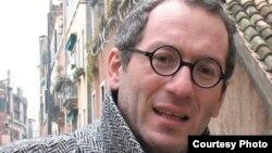 Сотрудник военного журнала Guerres et Histoire Лаша Отхмезури