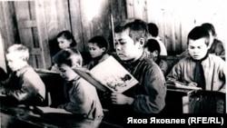 Школа-интернат, п. Орловка Верхнекетского района. Конец 1930-х гг.