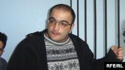 Eynulla Fətullayev 2007-ci il aprelin 20-də Yasamal Rayon Məhkəməsinin qərarı ilə həbs edilib