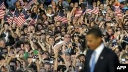 پلیس برلین، شمار حاضران در سخنرانی باراک اوباما را بیش از ۲۰۰ هزار نفر تخمین زده است. (عکس از AFP)