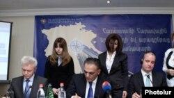 Церемония подписания трехстороннего меморандума о взаимопонимании, Ереван, 18 января 2013 г.