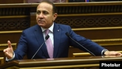 Armenia - Prime Minister Hovik Abrahamian speaks in the parliament, Yerevan, 27Apr2016.