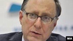 Заменик генералниот секретар на НАТО, амбасадорот Александар Вершбоу.
