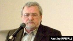 Равил Бохараев