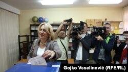 Željka Cvijanović prilikom glasanja na kontroverznom referendumu u RS u nedjelju 25. septembra 2016.