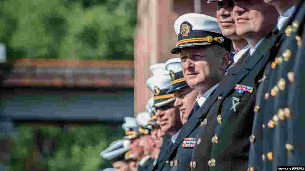 В торжественной церемонии в Практической гавани Одесского порта приняли участие командование и личный состав ВМС, волонтеры, представители Украинского института национальной памяти, а также Украинского национального музея в Чикаго