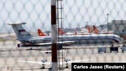 Ресейдің қорғаныс министрлігіне тиесілі Ил-62 ұшағы. Каракас, 24 наурыз 2019 жыл.
