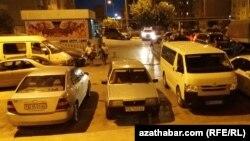 Парковка в жилом массиве, Ашхабад.