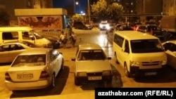 Парковка в жилом массиве, Ашхабад