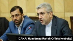 Iranian Energy minister Reza Ardakanian (R) in a meeting with conservative members of parliament on Sunday April 08, 2018.
