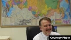 Кендрик Уайт в своем офисе в ННГУ