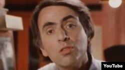 """Carl Sagan, """"Сosmos"""" filmindən"""