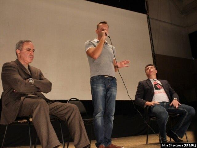 Дебаты Каспарова, Немцова и Навального