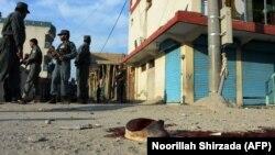 Pamje pas një sulmi të mëparshën në Xhalalabad të Afganistanit