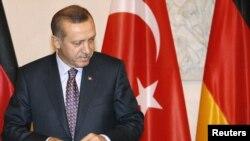 Գերմանիա – Թուրքիայի վարչապետ Թայիփ Էրդողանը Բեռլինում նախագահի նստավայր կատարած այցելության ժամանակ, 1-ը նոյեմբերի, 2011թ․