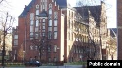 """Одно из старинных зданий клиники """"Шарите"""" в Берлине"""
