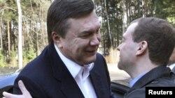 Віктор Янукович і Дмитро Медведєв під час зустрічі в резиденції Горки під Москвою, 5 березня 2010 року
