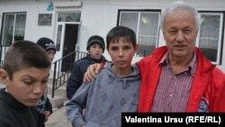Florin Pindic Blaj vizitînd Școala pentru copii cu dizabilități de la Nisporeni