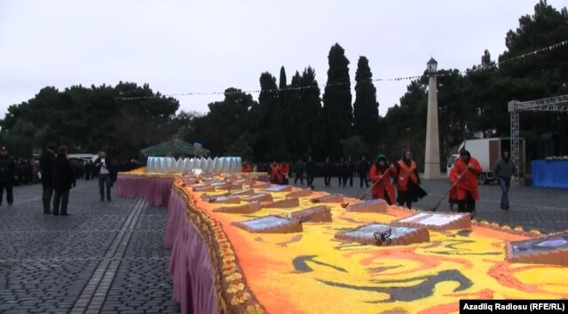 A huge cake baked for Aliyev's 51st birthday in Sumgayit