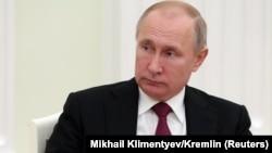 Згідно з останнім опитуванням, 34% росіян не схвалюють діяльність Володимира Путіна на посаді президента Росії