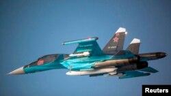 Ресей әскери-әуе күштерінің Су-34 жойғыш ұшағы. (Көрнекі сурет)