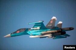 Истребитель-бомбардировщик ВВС России Су-34