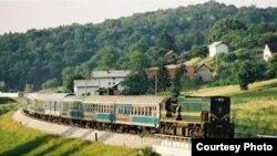 Treni në qarkullim Prishtinë-Fushë Kosovë