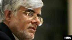 احتمال نامزدی محمدرضا عارف در انتخابات ریاست جمهوری سال آینده ایران وجود دارد.