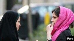 روزنامه های نزدیک به دولت از طرح مبارزه با بدحجابی استقبال کرده اند.